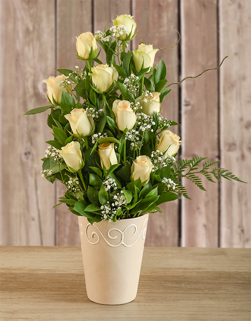 Arrangement of Cream Roses For Mother's Day