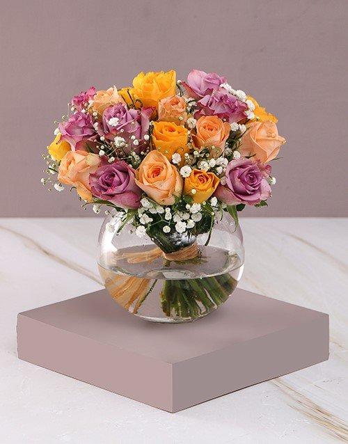 Highlights of Roses Vase