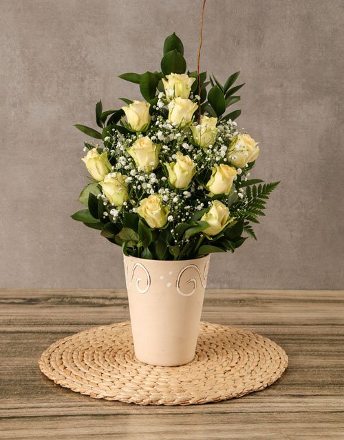 roses Arrangement of Cream Roses
