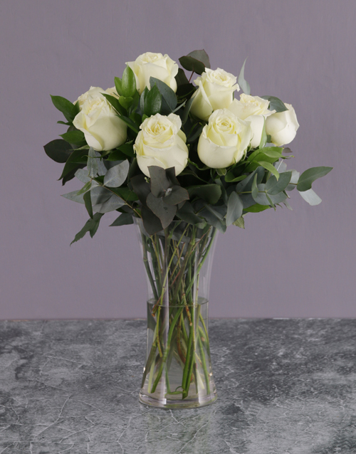 roses White Rose Bouquet in a Glass Vase