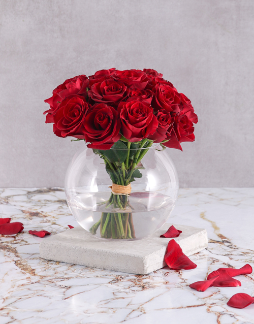 roses Red Rose Bouquet in Round Vase