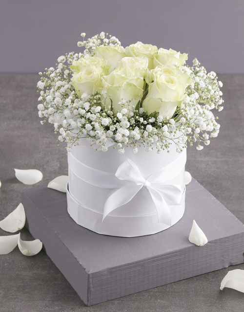 roses Pure White Roses in Hatbox