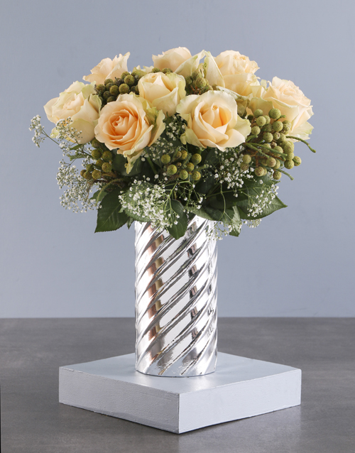 roses Peach Roses In Twirl Cylinder Vase