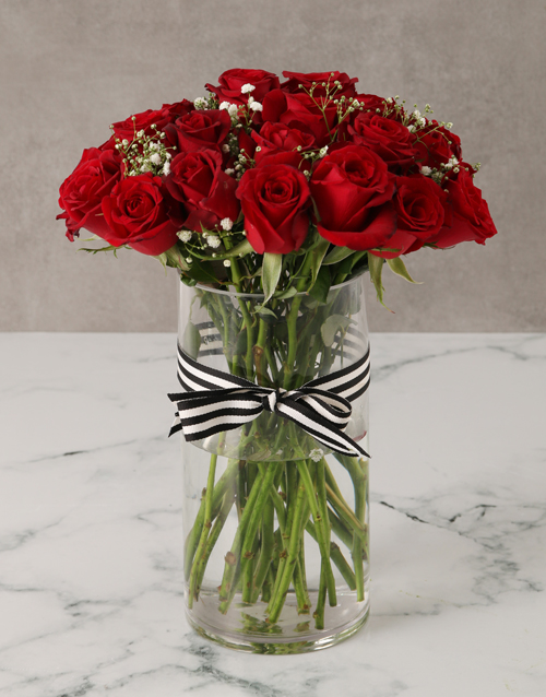 roses Royal Red Rose Bouquet in a Vase