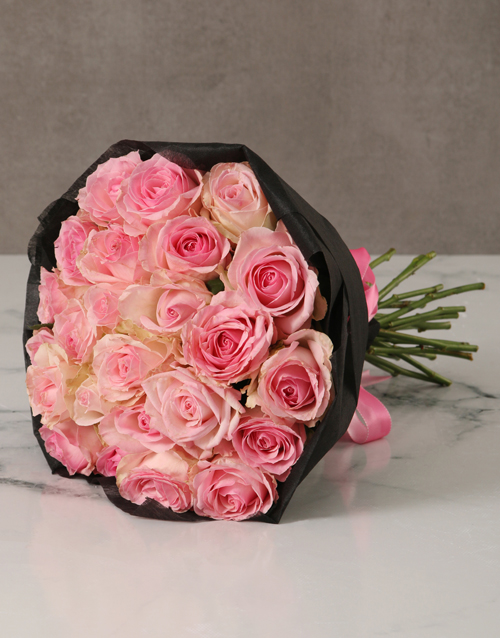 roses Pink Rose Bouquet with Black Wrapping