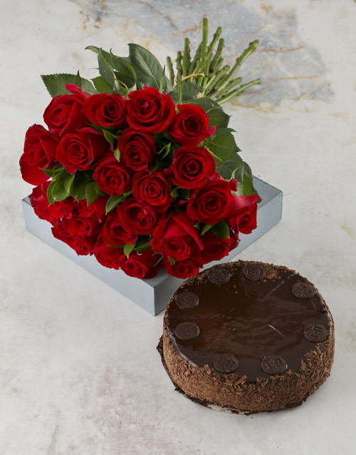 roses Rosey Bouquet With Chocolate Cake